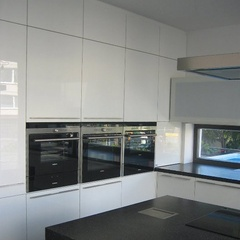 white glossy cabinet fronts